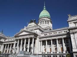 El Gobierno envió al Congreso el Presupuesto: PBI al 5,5% e inflación de 29%