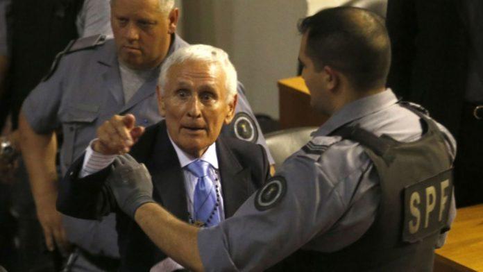Vecinos de Mar del Plata repudiaron el arresto domiciliario de Etchecolatz