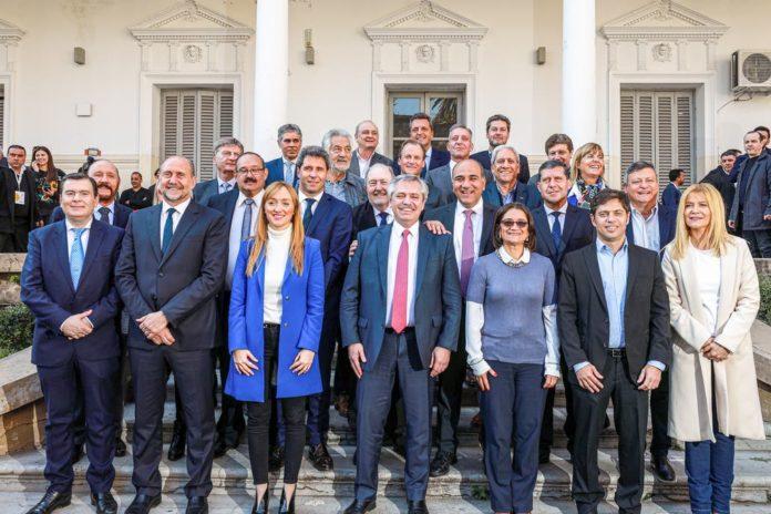 Los gobernadores del PJ excepto Schiaretti respaldaron cambio en la coparticipación