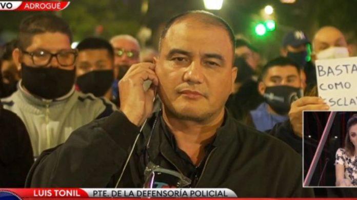 """Uno de los voceros de la protesta policial aseguró que están """"conformes"""" con el aumento anunciado"""