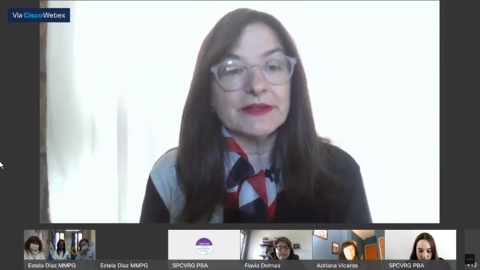 Estela Díaz durante la presentación del informe semestral de Situaciones de Alto Riesgo y Casos Críticos de violencia de género. (Captura de video).