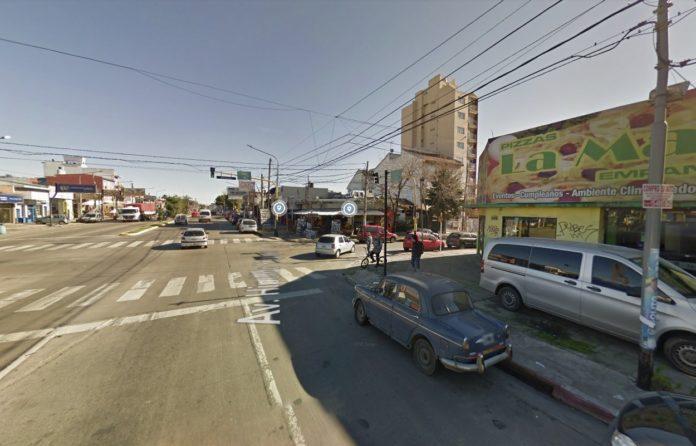 Hipólito Yrigoyen y Belgrano, la esquina donde el policía mató a su hermano. (Google Maps)
