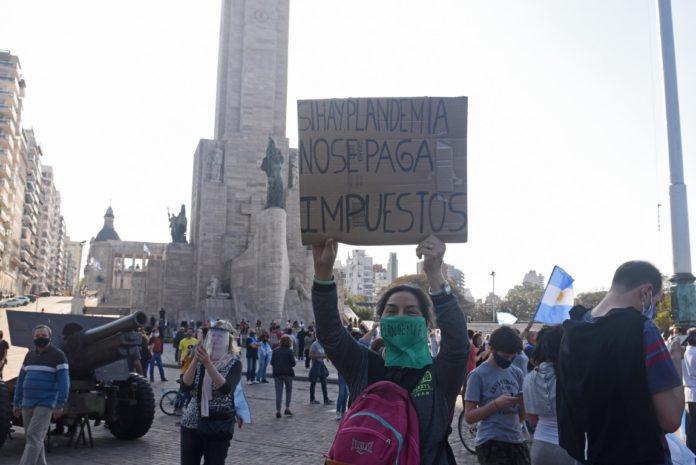 """Según el funcionario bonaerense, protestas como la del domingo """"no son una forma cuidada de expresarse"""". (Télam)"""