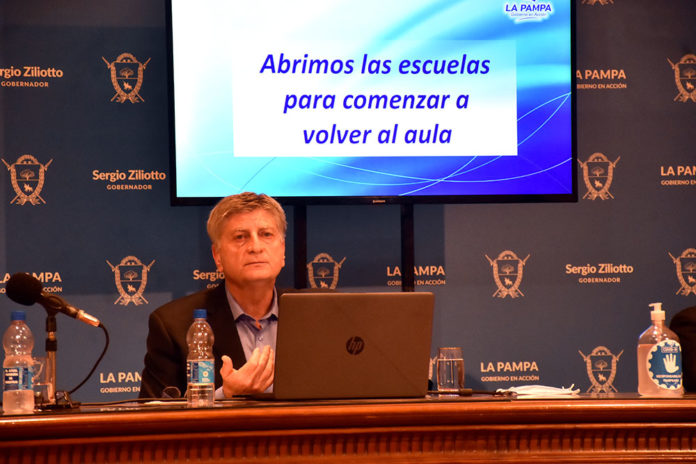 El gobernador pampeano anuncia que el lunes vuelven a abrir las escuelas. (El diario de La Pampa)