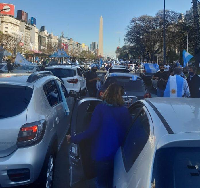 #12O: miles de personas vuelven a movilizarse contra el Gobierno en todo el país