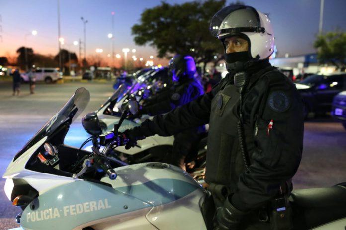 El Gobierno oficializó mejoras salariales para la Policía Federal y las Fuerzas Armadas