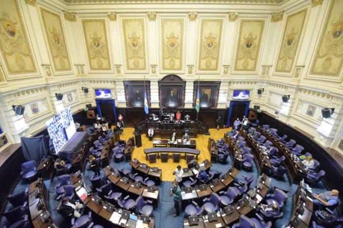 Diputados: oposición cuestionó al Gobierno por los datos de los muertos de Covid