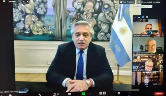 Fernández habla en el encuentro del Consejo de Asesores. (Presidencia)