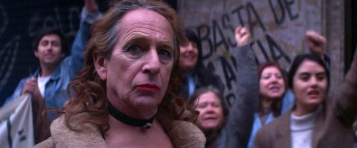 El drama de una solitaria travesti y un joven guerrillero, lo destacado de la semana