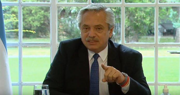 """Fernández dijo que va a ser """"inflexible"""" con los que especulan con materiales de construcción"""