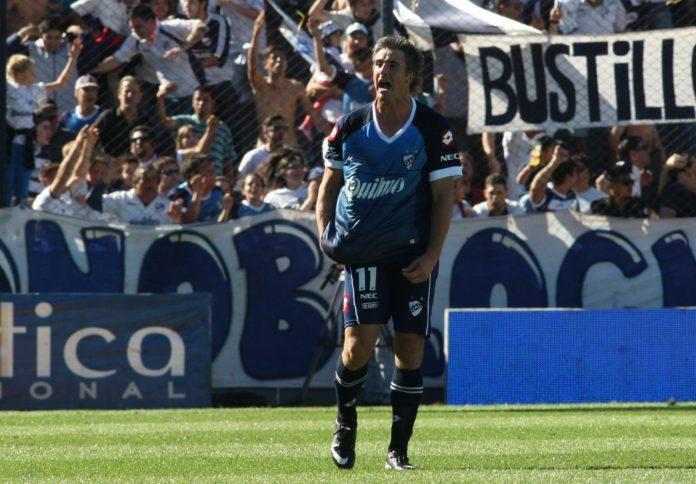 Metió 151 goles con 11 camisetas y ahora será intendente: ¿Quién es Facundo Diz?