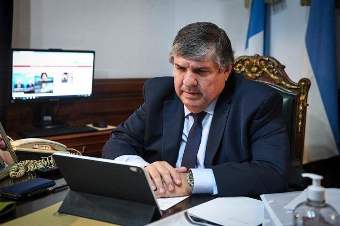 El jefe de la bancada del oficialismo en el Senado, José Mayans, volvió a rechazar este sábado el proyecto de legalización del aborto