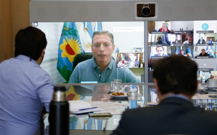 Kicillof habla con Putin y pide a intendentes identificar prioritarios para vacunar