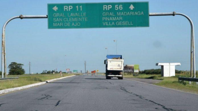 Dos muertas y cinco personas heridas al chocar dos autos en la Ruta 56