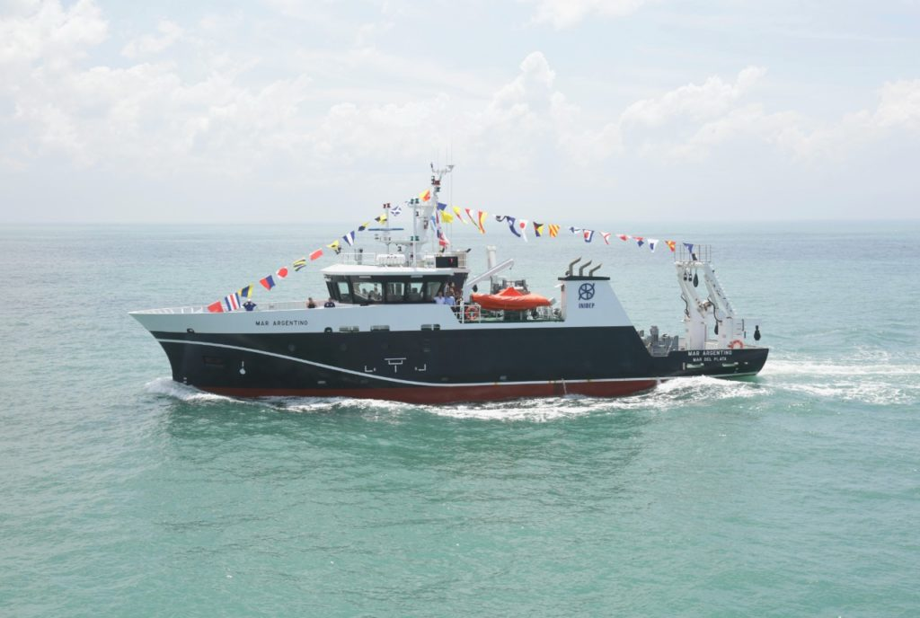 """El buque de investigación pesquera y oceanográfica """"Mar Argentino"""". (Prensa Agricultura)"""