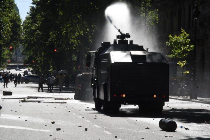 La Secretaría de Derechos Humanos denunció a Rodríguez Larreta y Santilli por la represión durante el velatorio de Maradona. (Télam)
