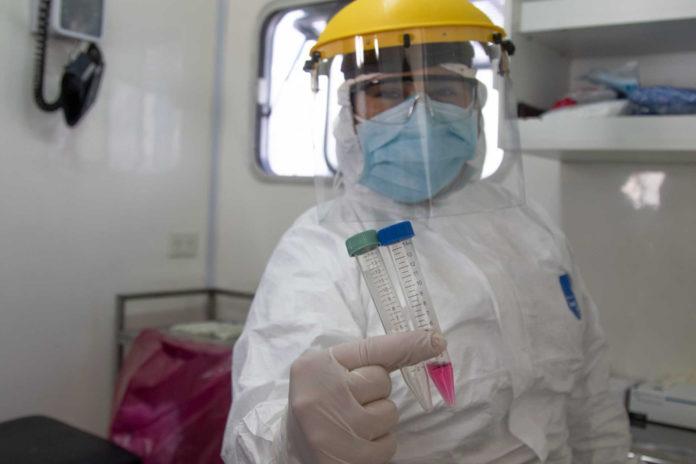 201 trabajadores de la salud murieron por coronavirus en la provincia