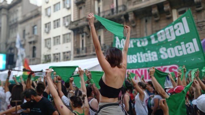 Argentina, tiene la ley de aborto más garantista de Latam: implementarla, nuevo desafío