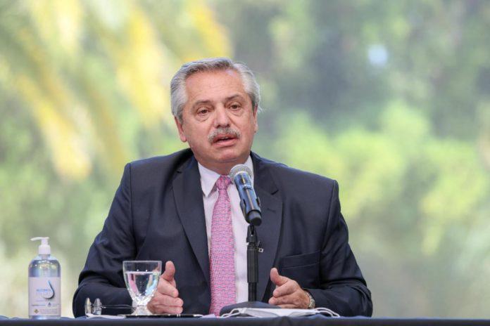 """Reto presidencial: Fernández dijo que en Navidad hubo mucho """"descuido"""""""