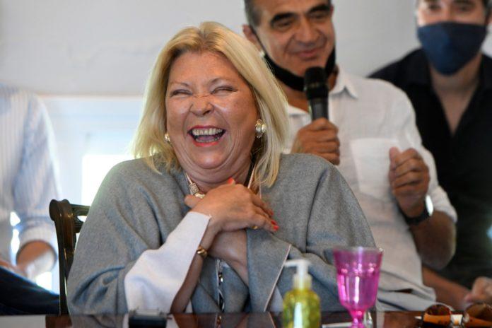 Carrió presentó su libro en un encuentro con pocos dirigentes de Juntos por el Cambio