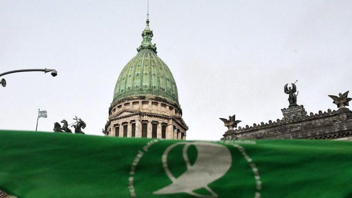 El proyecto de legalización del aborto recibirá dictamen hoy y se debatirá mañana en el recinto
