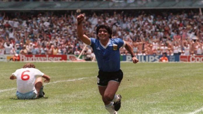 El proyecto propone la impresión de billetes y sellos postales con la imagen del Diego Armando Maradona