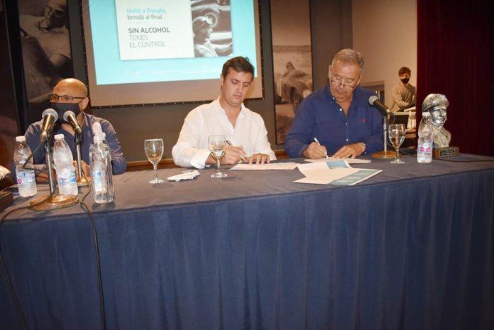 Provincia y la Fundación Fangio firmaron convenio para trabajar en seguridad vial