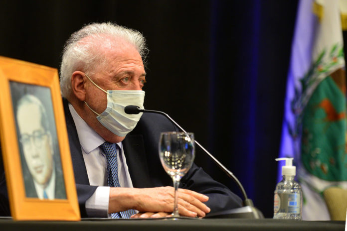 El ministro de Salud, Ginés González García, dijo que la negociación con el laboratorio Pfizer continúa