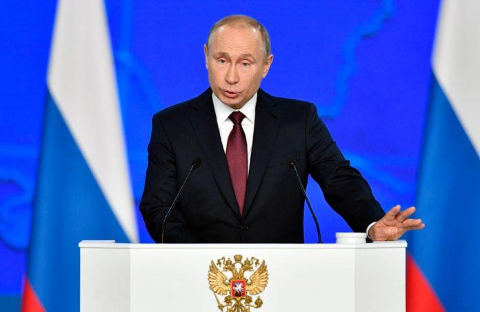 El presidente ruso, Vladimir Putin, de 68 años, aseguró este jueves que aún no se vacunó contra el coronavirus y que lo hará