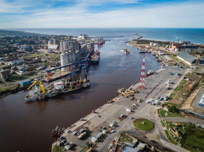 Gremios rechazaron una propuesta empresarial y sigue el paro en puertos cerealeros