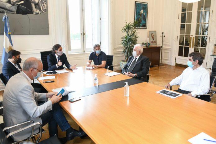 Santiago Cafiero y Ginés González García encabezaron la reunión en Casa Rosada
