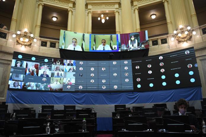 Los indecisos votaron a favor y fueron claves en la sanción de la ley