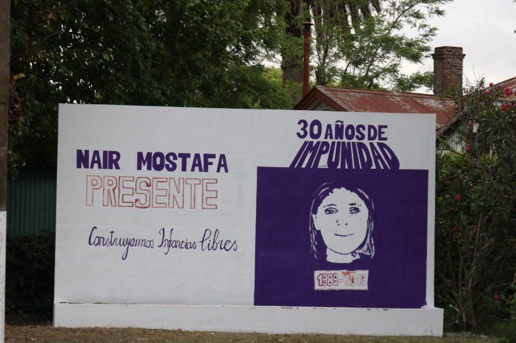 El mural en memoria de Nair Mostafá erigido al cumplirse 30 años del crimen.