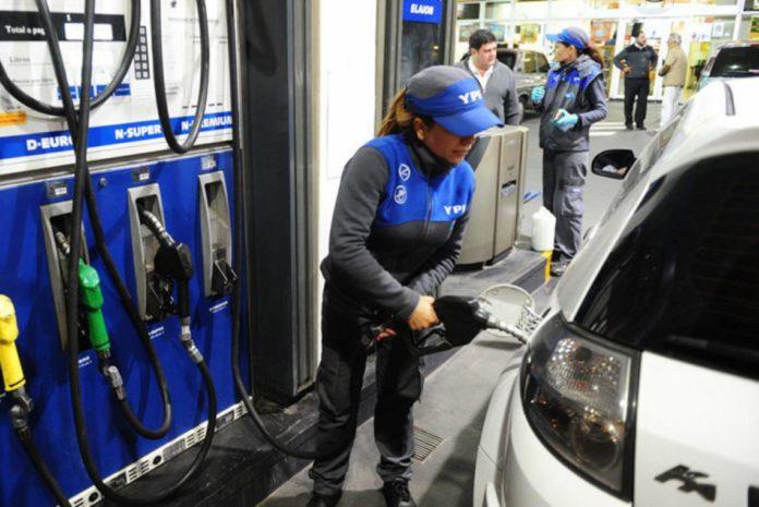 El Gobierno postergó otro aumento de la nafta hasta por lo menos el 16 de diciembre.