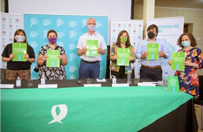 Las autoridades bonaerenses presentaron una Guía para la implementación del IVE en la provincia destinada al personal de la salud