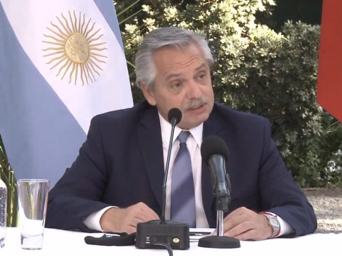 """En Chile, Fernández pidió la """"unidad"""" de América Latina, pero evitó hablar de Venezuela"""