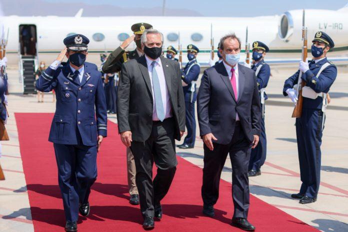 Fernández llegó a Chile y se reunió con Piñera: toda la agenda de la visita oficial