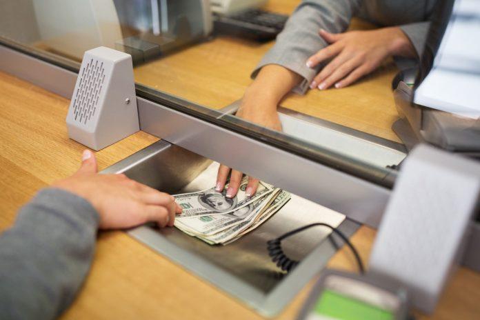 Según el BCRA, los depósitos en dólares aumentaron 1.345 millones en un mes y medio