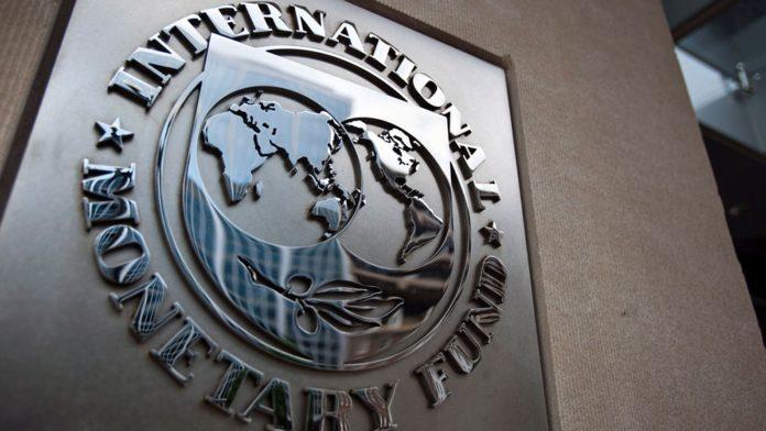 """El FMI le pide un """"plan a mediano plazo"""" a Argentina y confirma las negociaciones"""