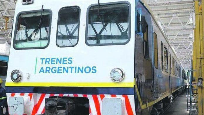 Kicillof participa del acto que reinaugura el servicio del tren entre Guido y la estación Pinamar