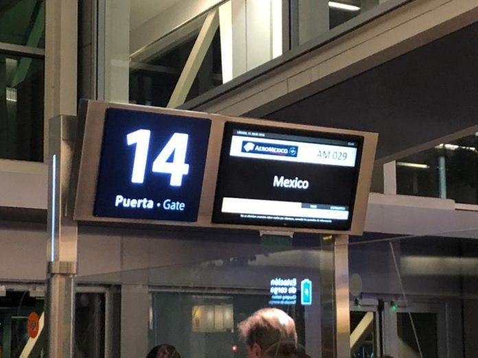 El gobierno restringe más los vuelos internacionales para evitar contagios