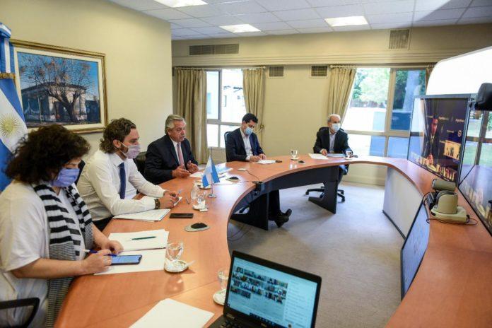 Fernández y los gobernadores analizan cortar la circulación de 23 a 6 horas