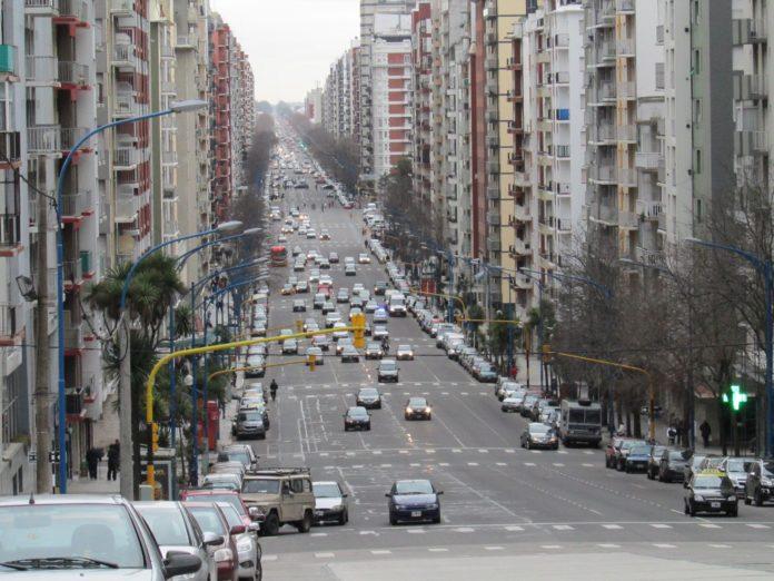 Si prospera uno de los proyectos, la avenida Colón pasaría a llamarse avenida Diego Armando Maradona.