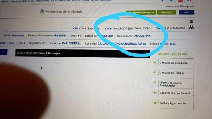 La imagen difundida por el PRO sobre los datos del expresidente Mauricio Macri alterados