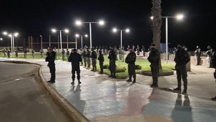 """El fuerte operativo policial en Pinamar hizo que usuarios de redes sociales hablaran de """"Franja de Gaza"""" y """"Corea del Norte"""". (Twitter)"""