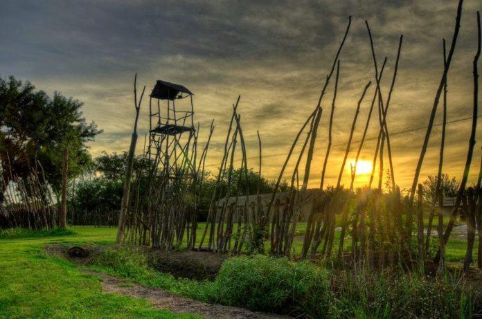 La réplica del fortín de Ranchos se construyó en 1967. Su imagen retrotrae al espectador a los tiempos fundacionales. (viviranchos.blogspot.com)