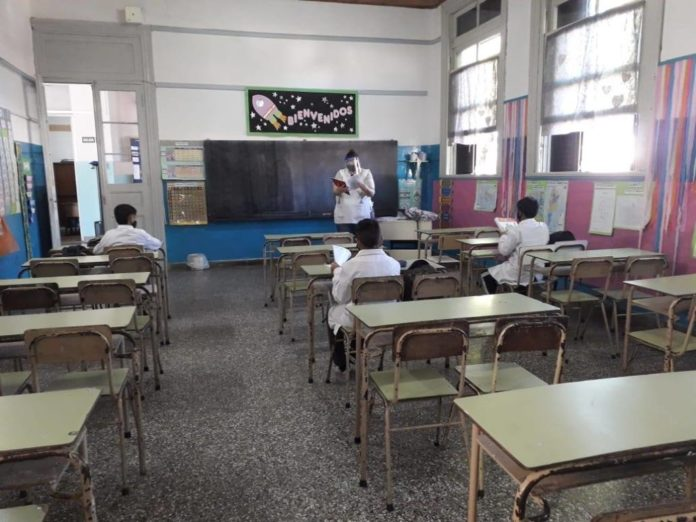 Escuelas: el nivel inicial y las primarias vuelven a clases presenciales este lunes
