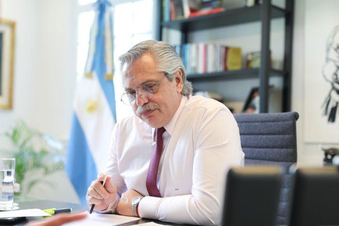 Alberto Fernández habilitó por decreto que se trate proyecto de Ganancias en extraordinarias