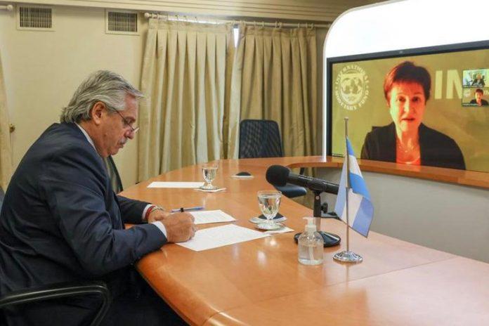 El Gobierno afrontará este lunes un vencimiento por US$ 315,6 millones con el Fondo Monetario Internacional (FMI)