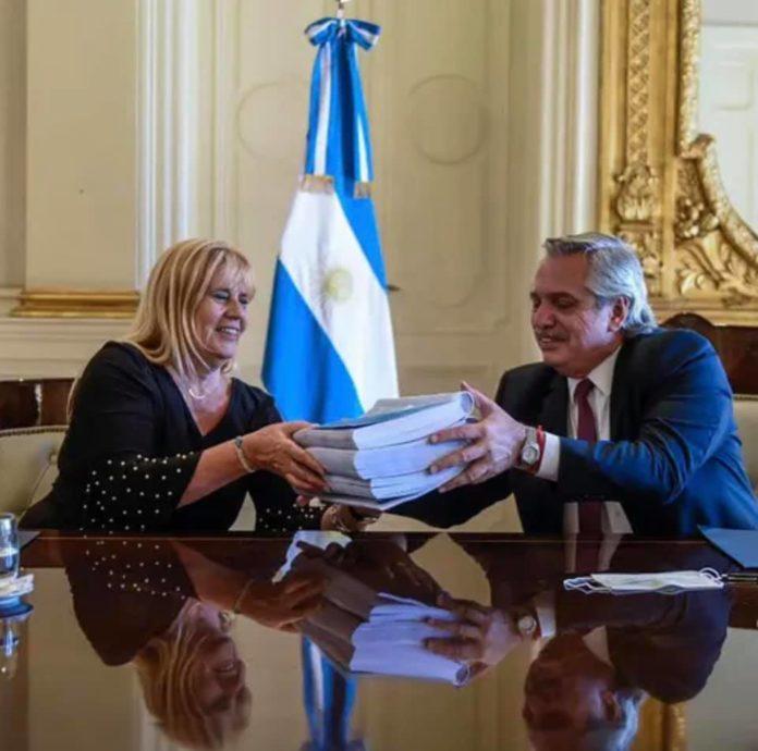 El presidente Alberto Fernádez y la ministra de Justica, Marcel Losardo